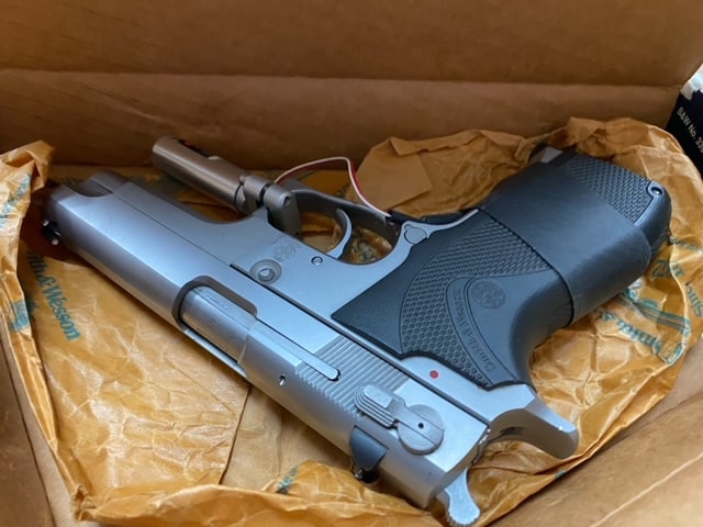 SMITH & WESSON 5906 Stainless w/Box & Vintage Laser