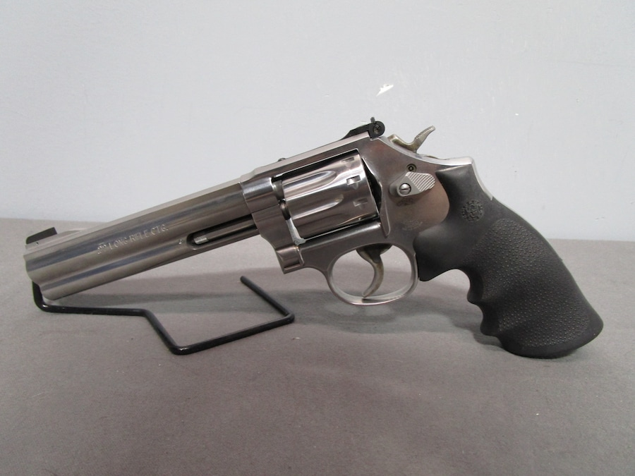 SMITH & WESSON 617 K-Frame revolver adjustable rear sights
