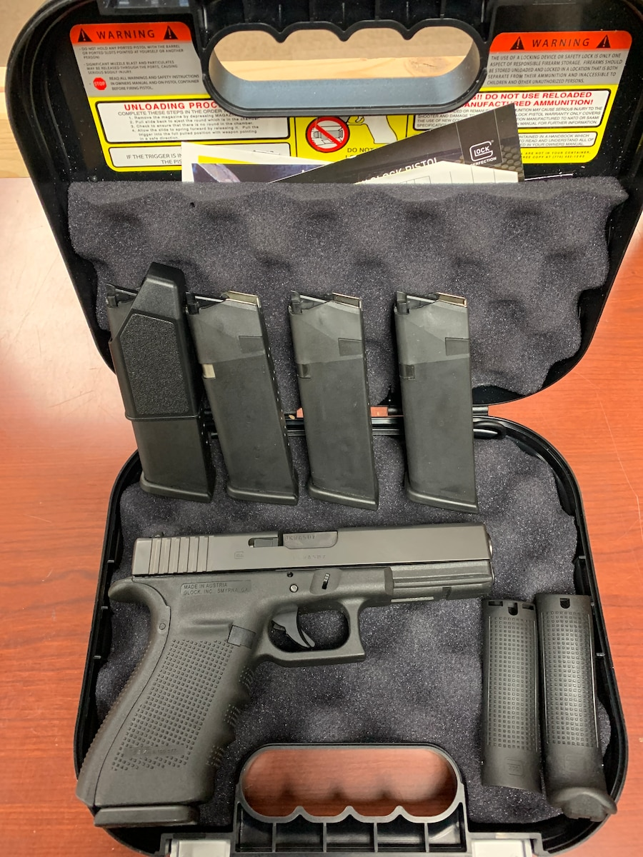 GLOCK 21 g21 gen 4 pg2150203 with 4 mags