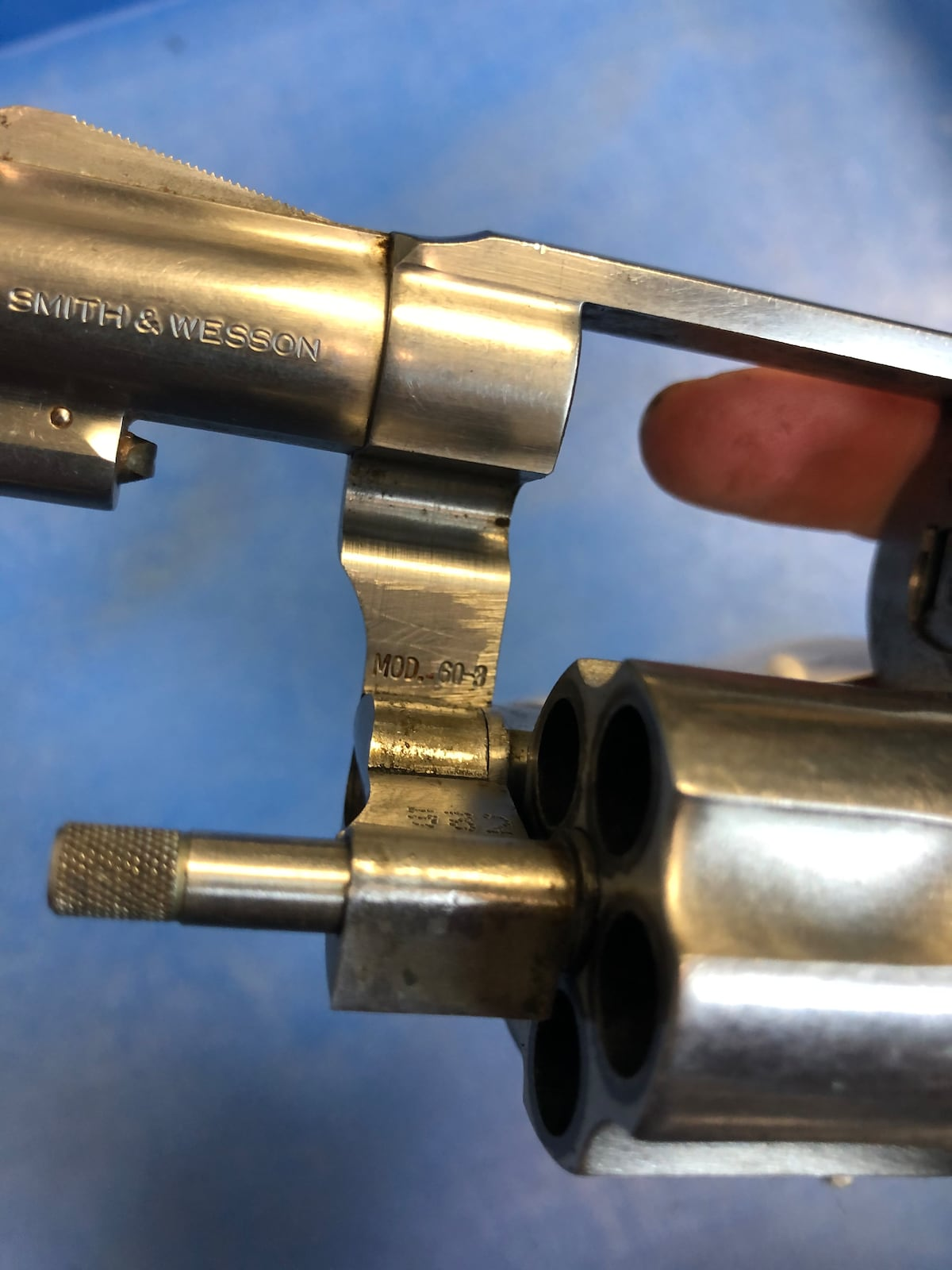 SMITH AND WESSON model 60-3 chief special