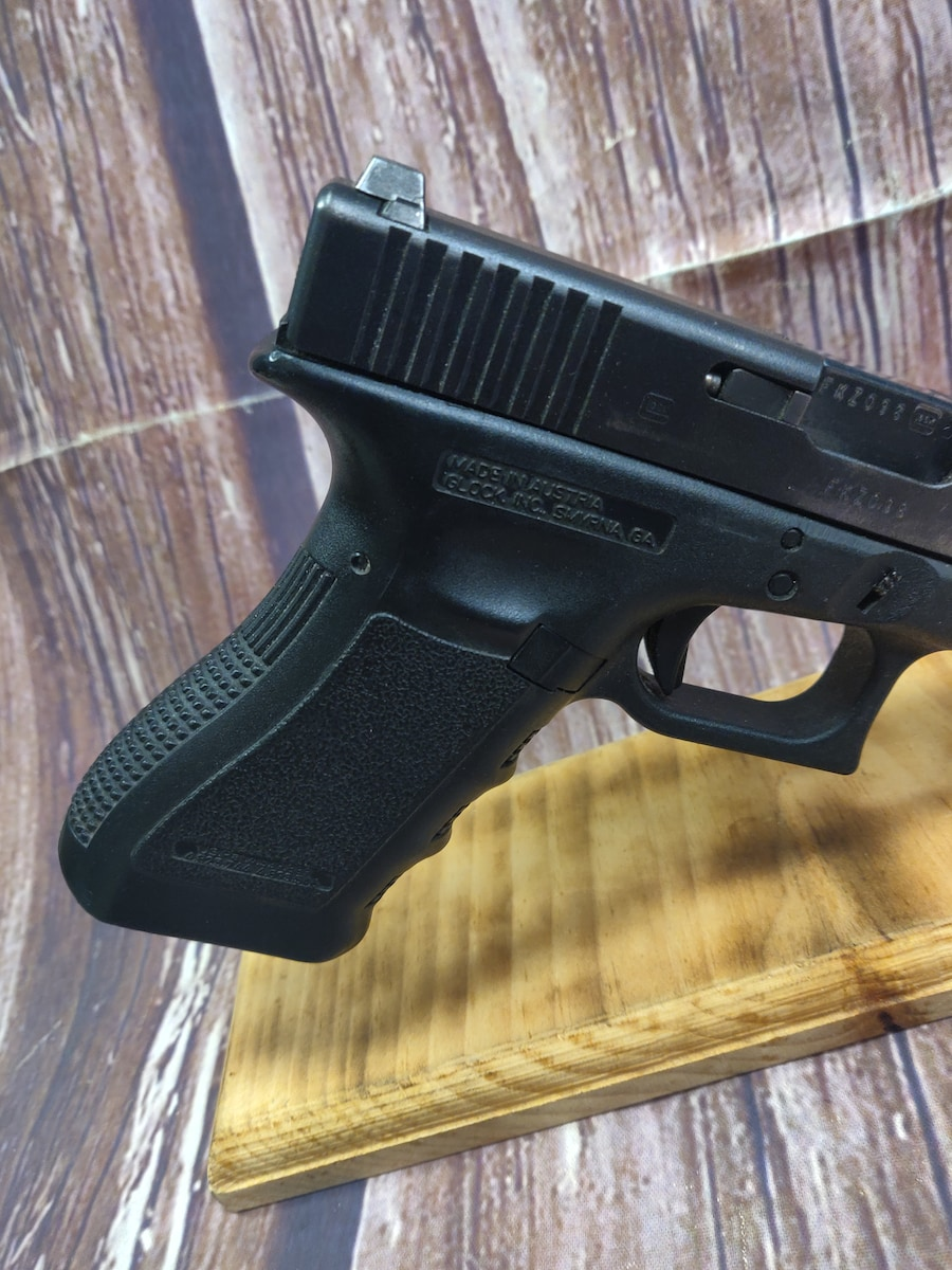 GLOCK 22 G22 Gen 3 Night w/ Sights
