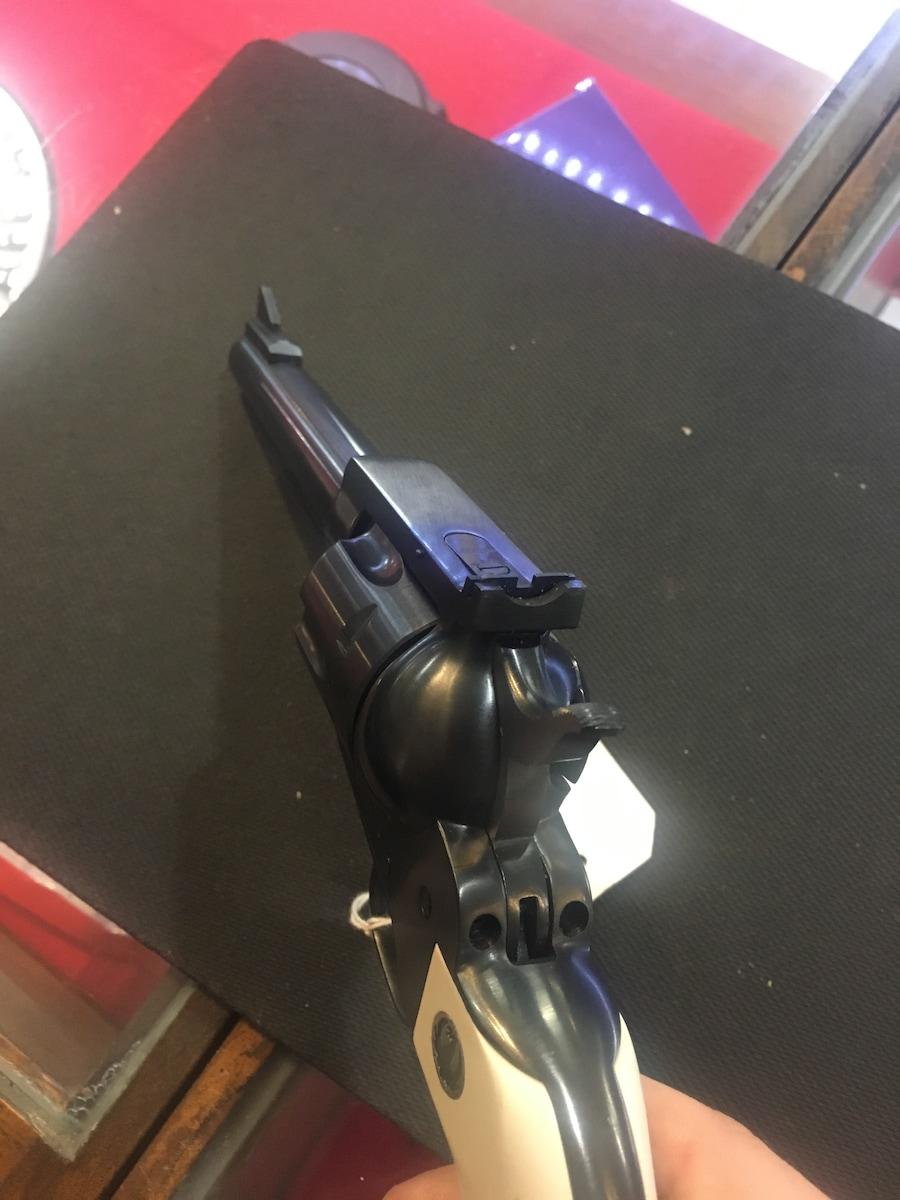 RUGER NEW MODEL BLACKHAWK