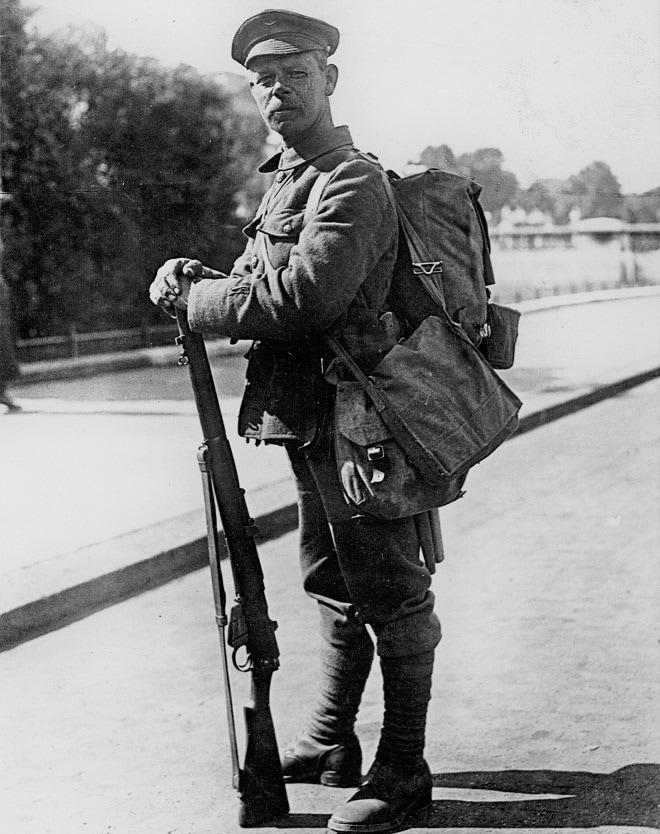 Magazine Lee-Enfield rifle