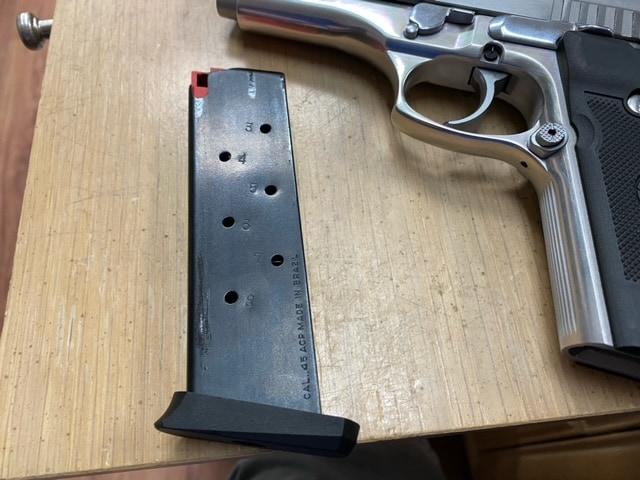 TAURUS PT945 HD Police Stainless Steel