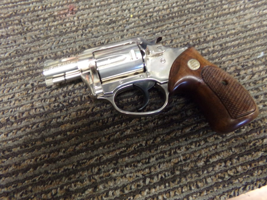 CHARTER ARMS Undercover Nickel