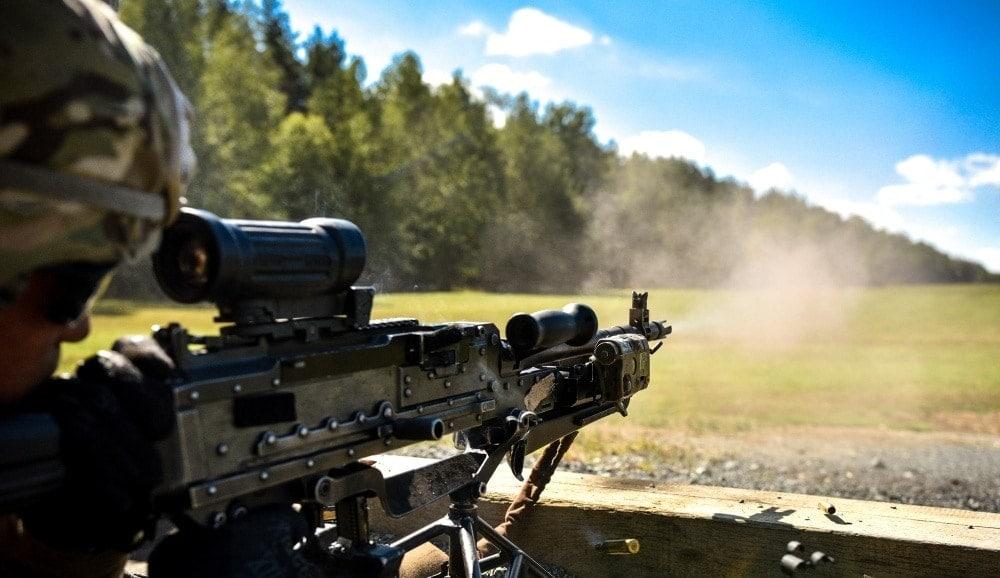 FN M240 GPMG firing