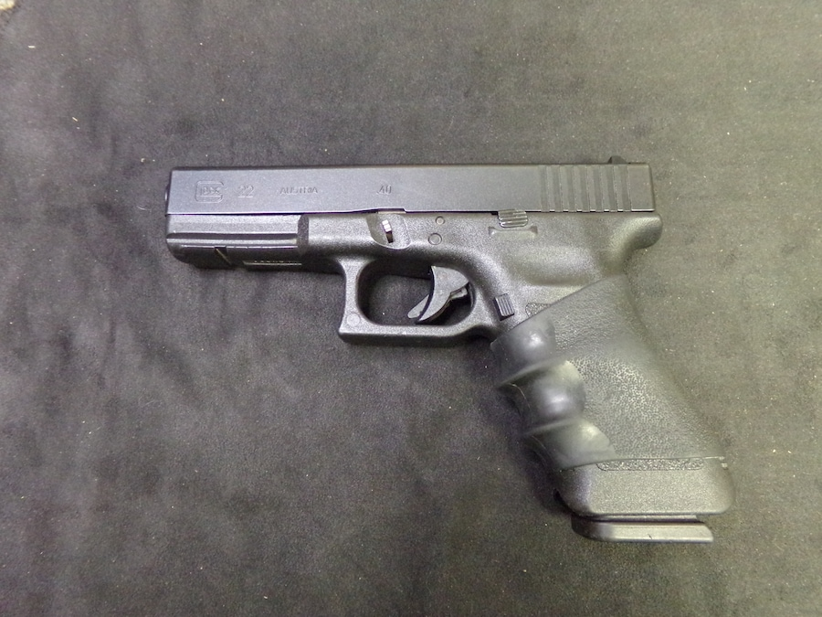 GLOCK 22 40 cal Gen 3  with guide rod laser