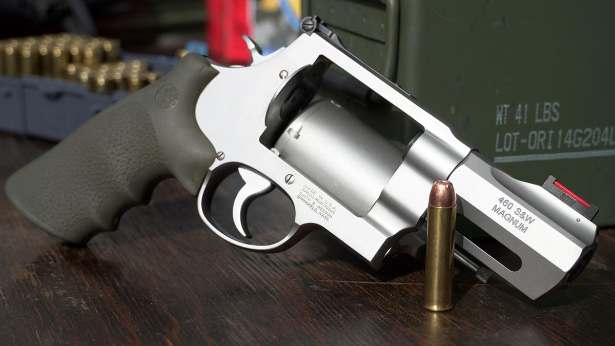 smith & wesson 460 magnum revolver big gun iv8888 range day