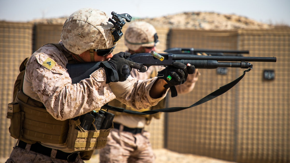 Marines Shooting Mossberg 590A1