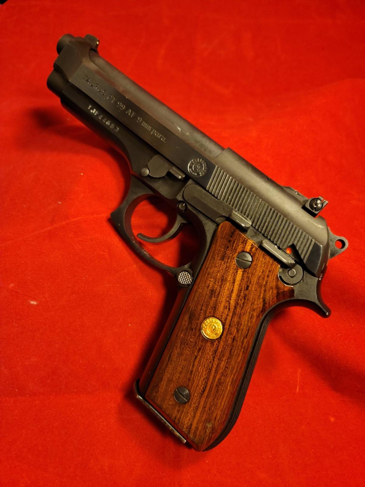 TAURUS PT-99 AF