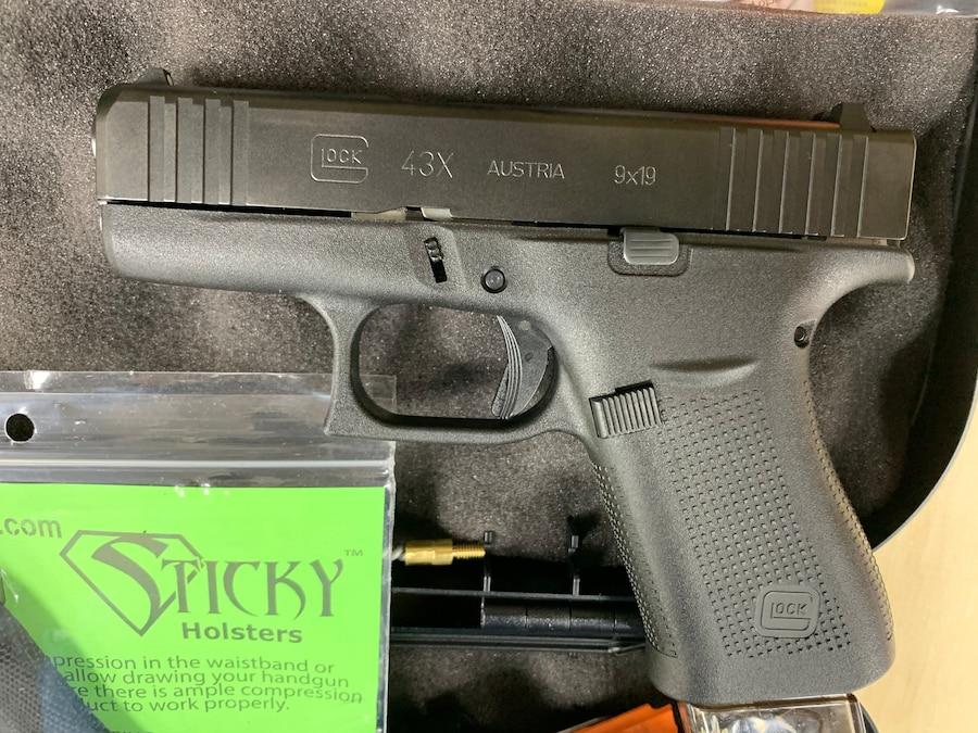 GLOCK 43X G43X GEN 5 19 ROUND MAGAZINE and sticky holster
