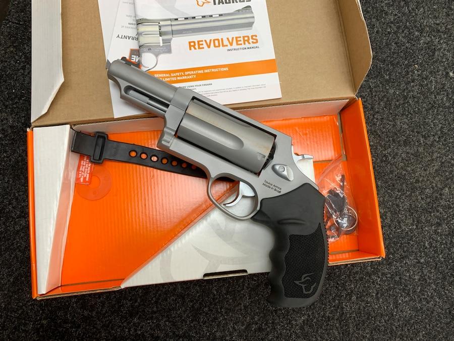 """TAURUS The Judge Magnum 3"""" CHAMBER 45LC/410GA"""