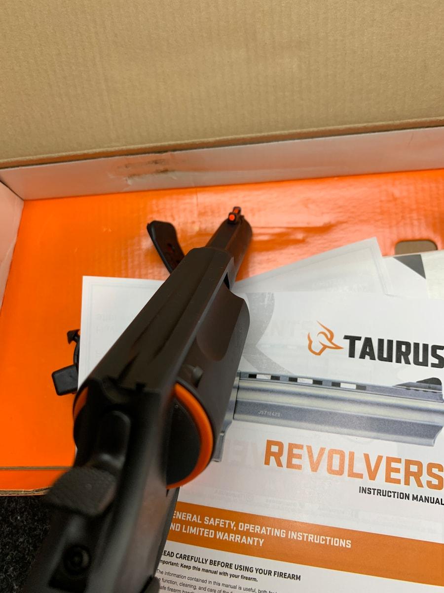 TAURUS THE JUDGE 2.5 CHAMBER 45COLT/410GA