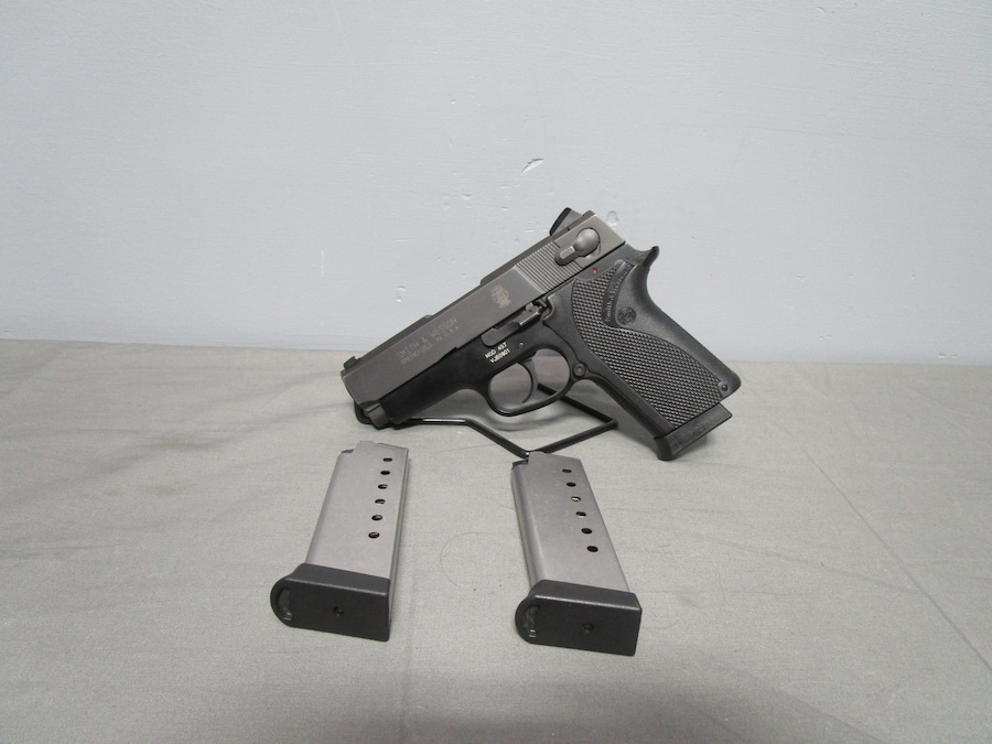 SMITH & WESSON MODEL 457