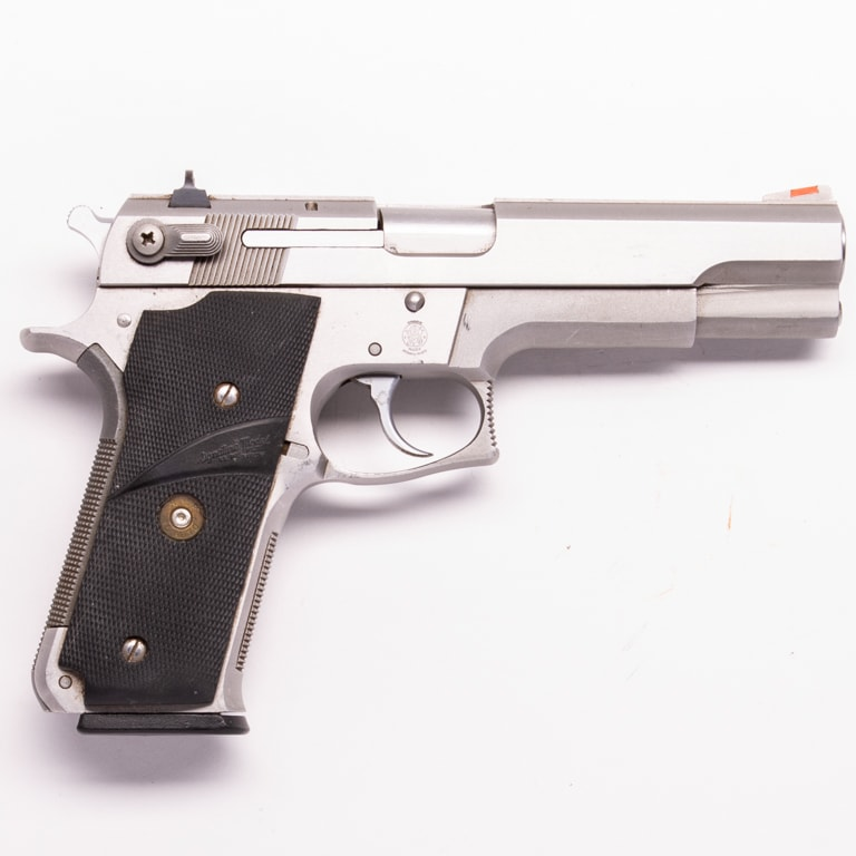 SMITH & WESSON 645