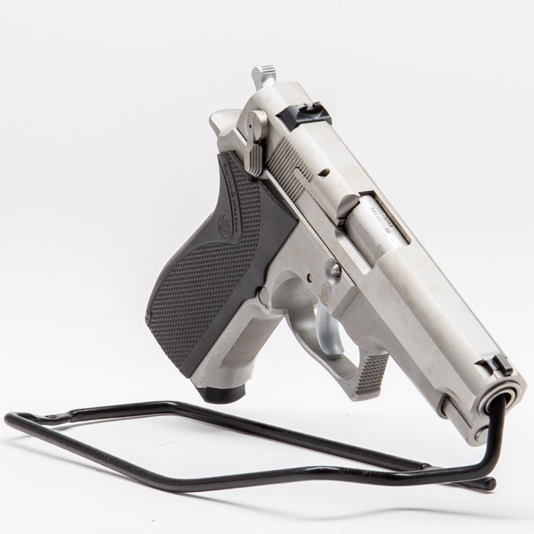 SMITH & WESSON MODEL 5906