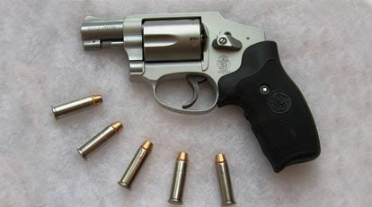 Gun Review - The Smith & Wesson 642 and 442 :: Guns com