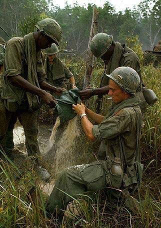 american soldiers fighting in vietnam