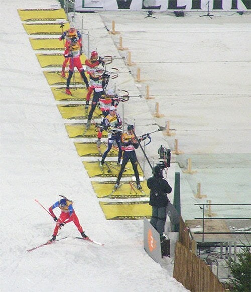 biathlon shooters lined up