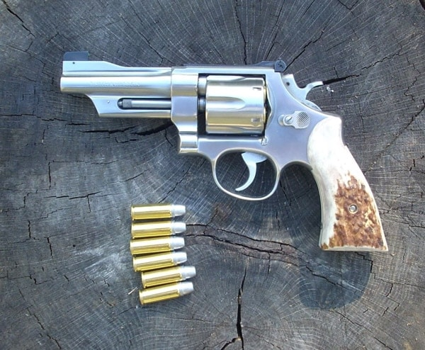 Smith & Wesson 624.