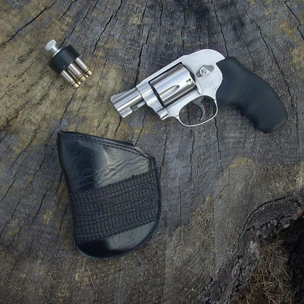Snub-nosed revolver in .38 special