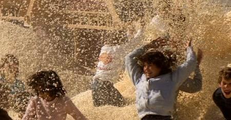 popcorn scene from true genius