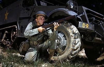 solider with m1 garand