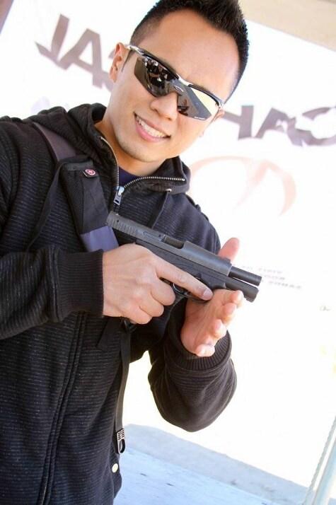 Racaza w/Caracal pistol
