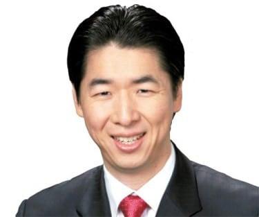 Kook-jin Moon Justin Moon
