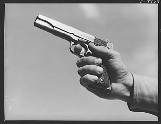 Colt 1911 in 45 Colt.