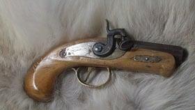 About 15,000 Deringer pistols were manufactured.