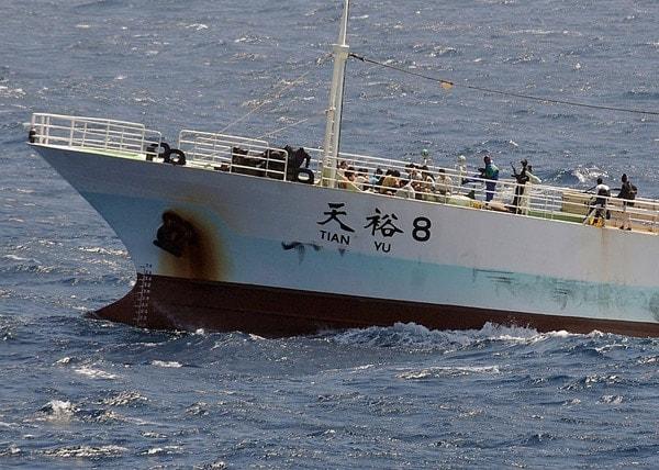 somali pirate ship