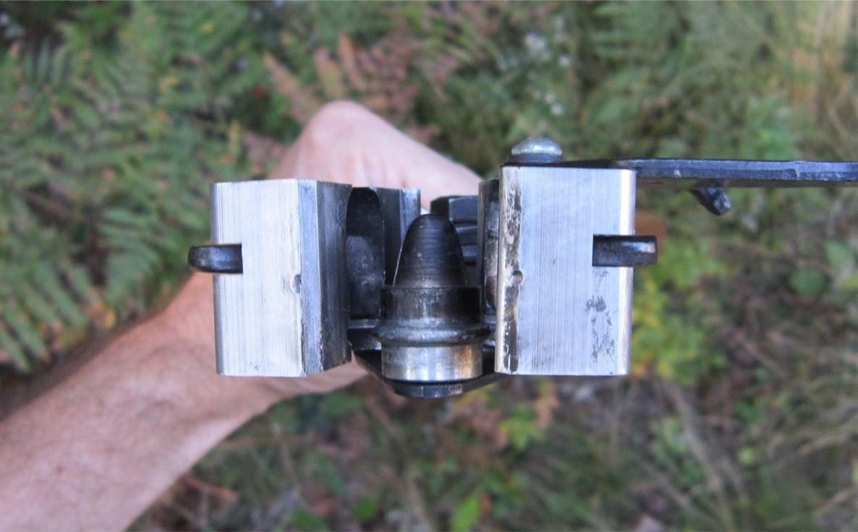 A close-up of the Lee 1 ounce sabot slug mold.