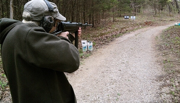 Shooting the SSR MP40.