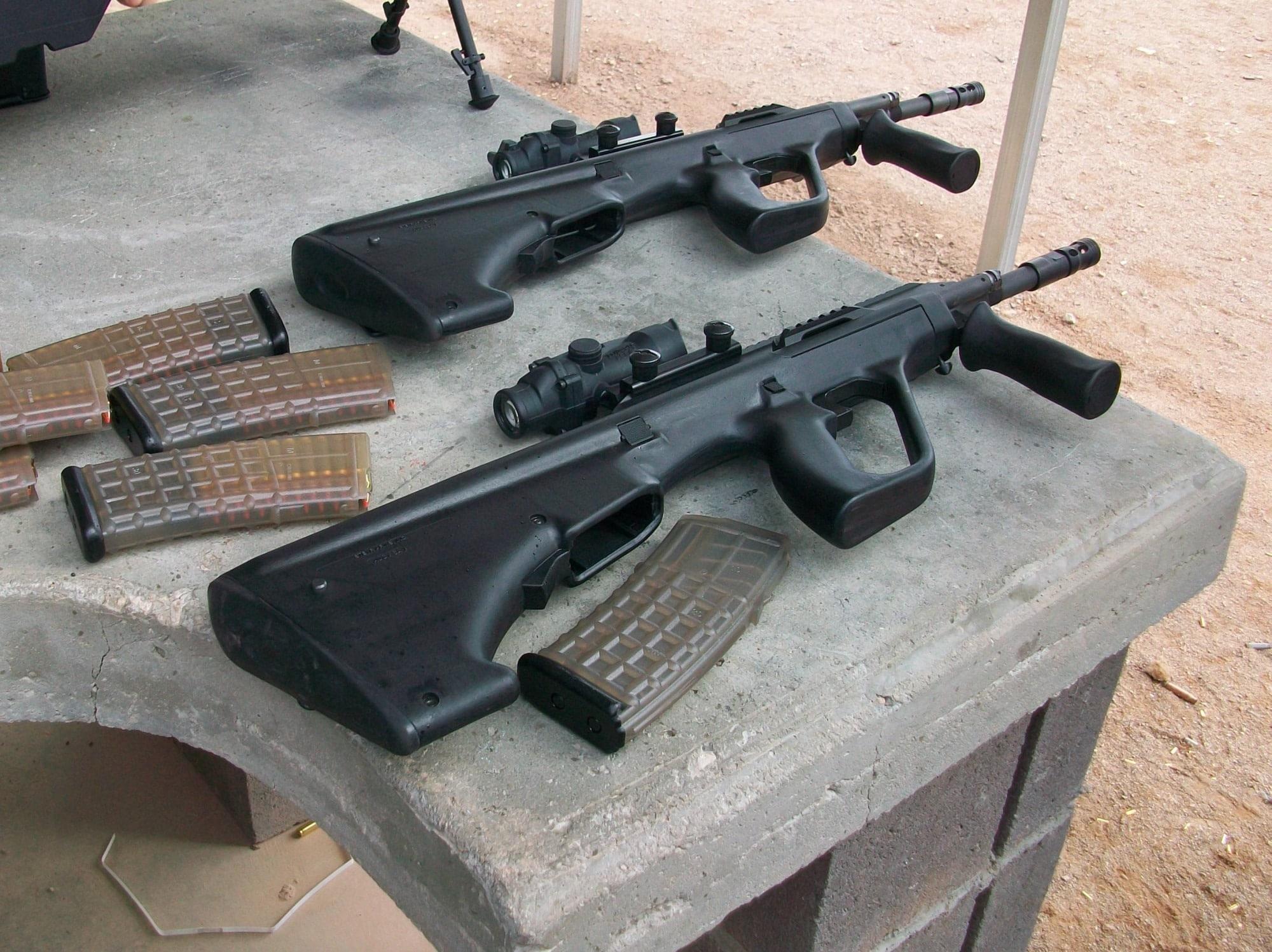 Shooting Steyr AUGs