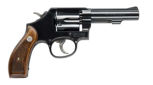 smith and wesson model 10 hangun