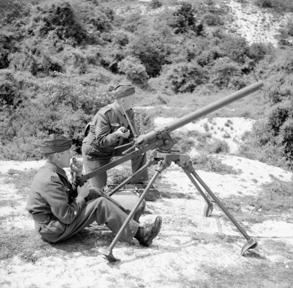 Members of Britain's Home Guard using a Northover Projector