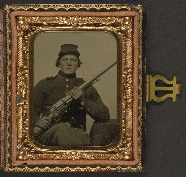 Unidentified Union soldier with Colt revolving rifle, Model 1855