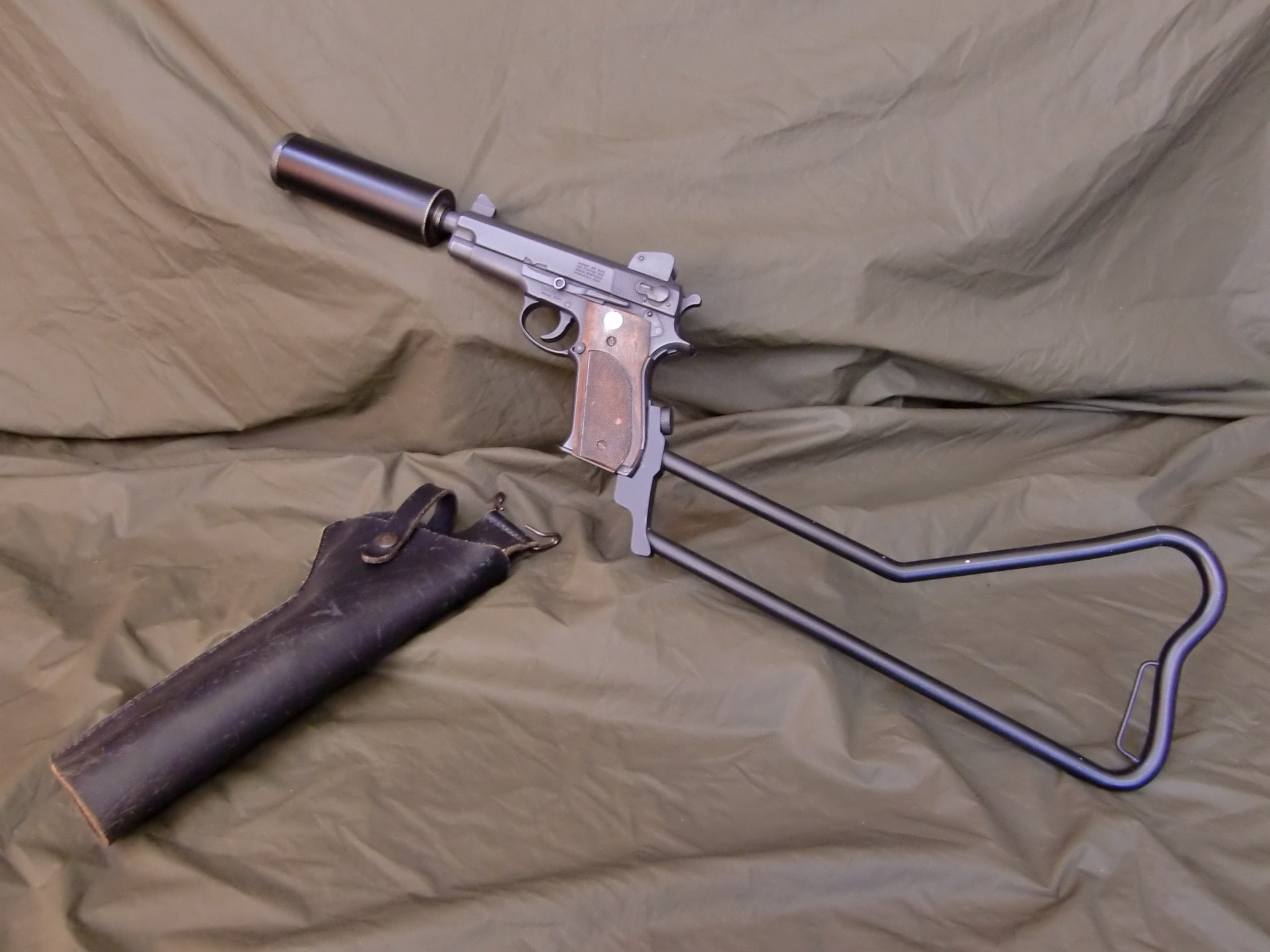 """MK 22 """"Hushpuppy"""" pistol"""