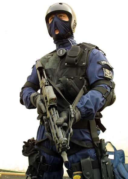 Italian NOCS officer with holstered Beretta