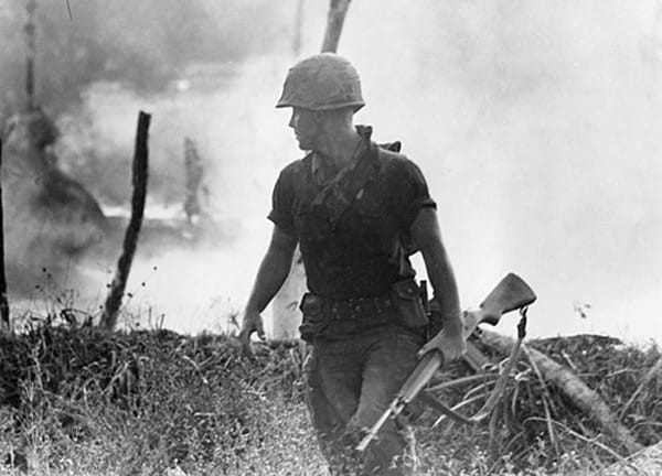 M14 carried US soldier in Vietnam