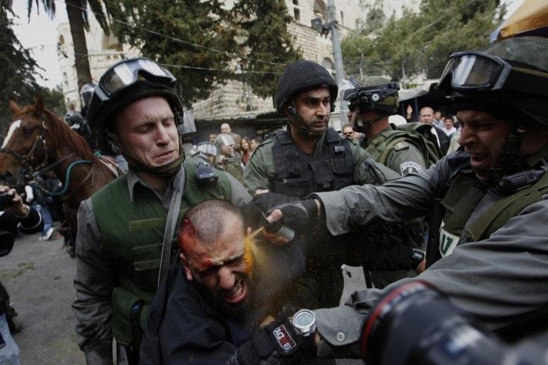 PEPPER SPRAY Jerusalem, Israel AMMAR AWAD https://www.worldpressphoto.org/awards/2013/general-news/ammar-awad?gallery=6096