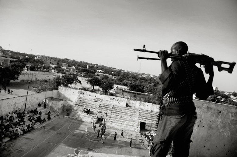 I JUST WANT TO DUNK Mogadishu, Somalia   JAN GRARUP https://www.worldpressphoto.org/awards/2013/sports-feature/jan-grarup/03?gallery=6096