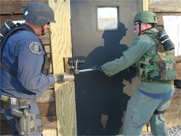 Mechanical breaching using hooligan tool