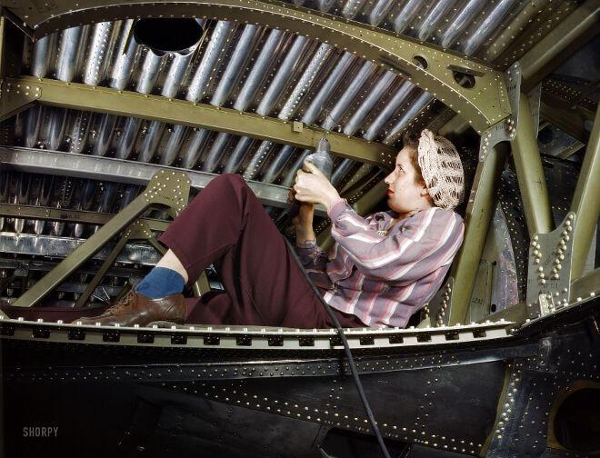 Wingwomen - SHORPY_1a35352u