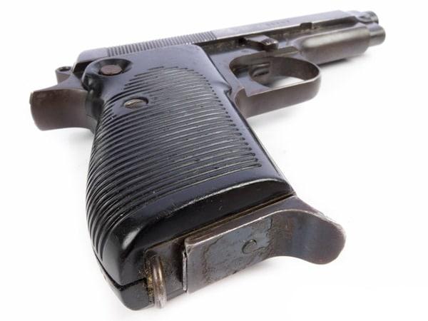 Beretta M1951 showing magazine