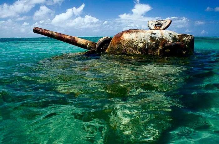 sherman-tank-off-garapan-2-1-beach-saipan-9001