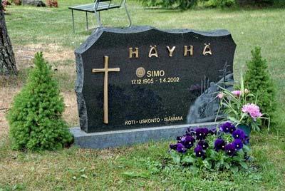 Simo Hayha tombstone