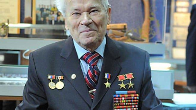 mikhail-famous-armorer-kalashnikov.si