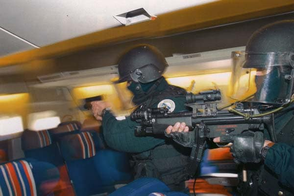 MP5 with French GIGN team.